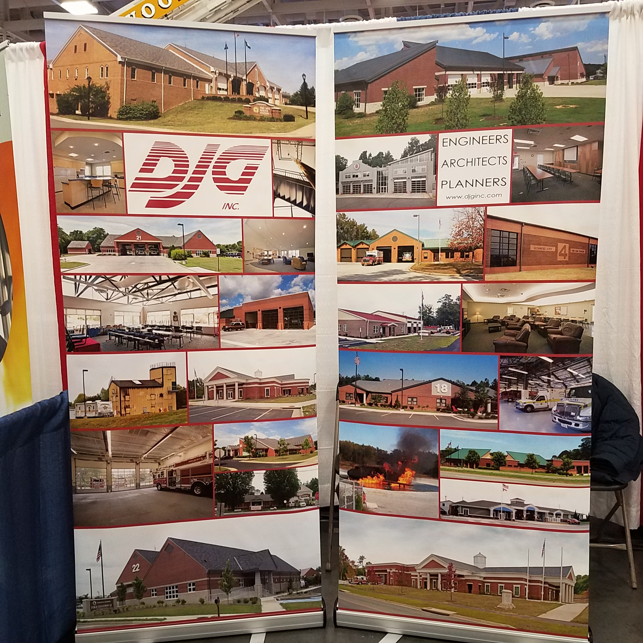 DJG retractable banners